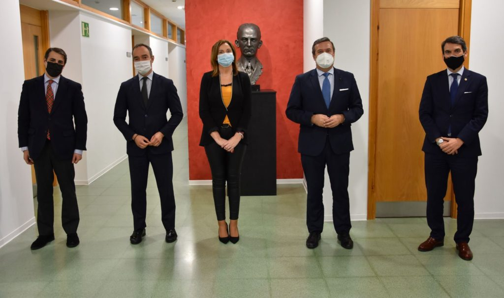 Foto de Grupo Adecco y CEU Andalucía colaboran para impulsar la